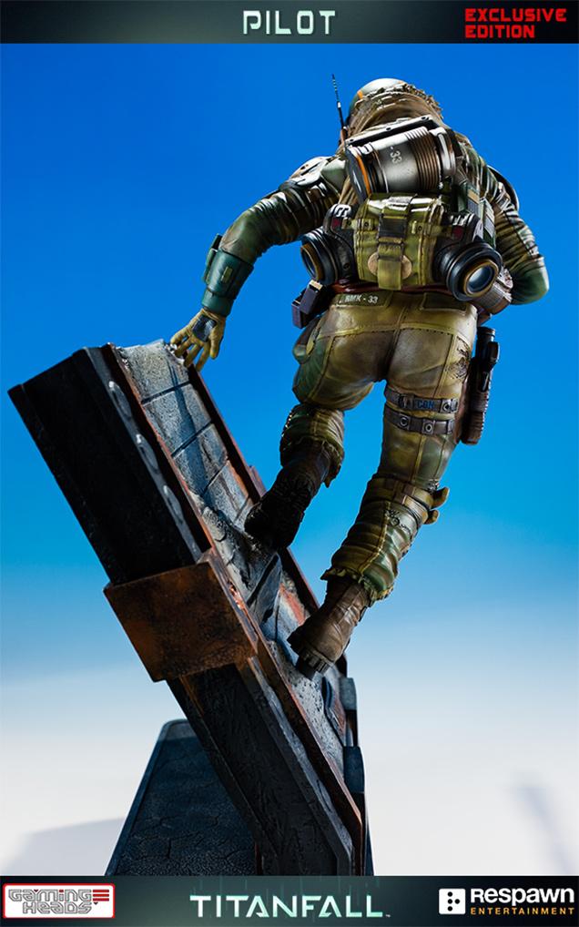 《泰坦陨落》飞行员手办模型亮相 飞檐走壁扶墙飞奔
