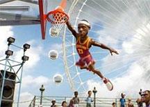 NBA游乐场爆笑演示视频 就算给我个空篮我也扣不进